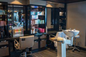 Servicio de reformas para salones de belleza y maquillaje