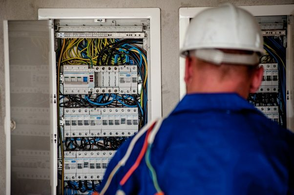 Reformas y servicios para el hogar Electricista